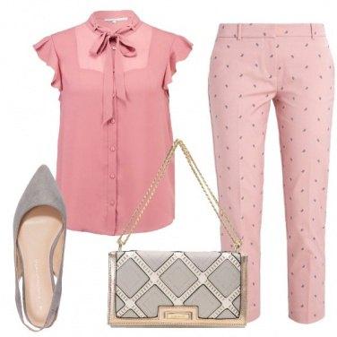 Outfit Semplicemente in tono