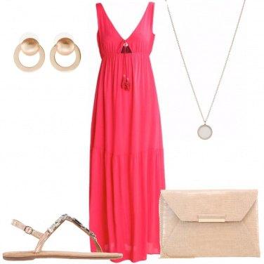 Outfit Il vestito di un rosso particolare