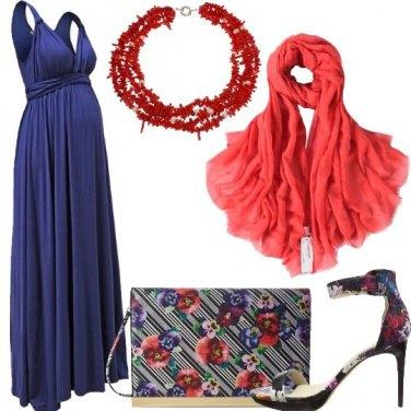 Outfit Blu e corallo per la sera