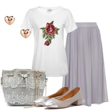Outfit Romantica in t-shirt