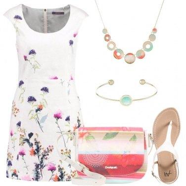 Outfit Un fiore colorato