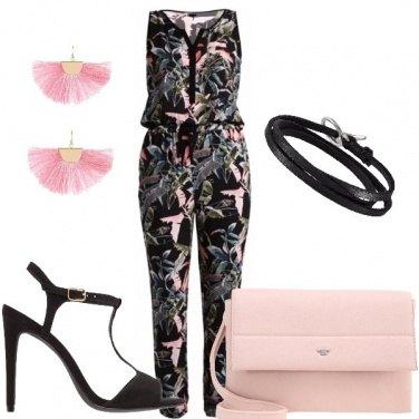 Outfit Fiori e ventagli