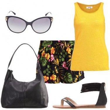 Outfit Shorts con i fiori