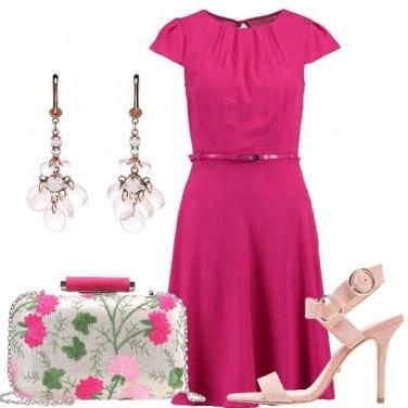 Outfit Un vestito fucsia