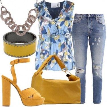 Outfit Ruches e fantasia floreale