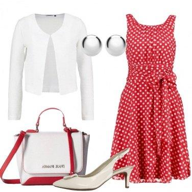 Outfit Pois sul vestito rosso