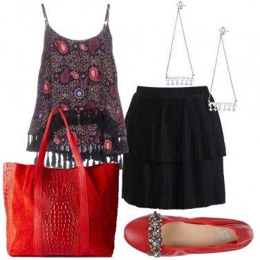 Outfit Minigonna e maxi borsa