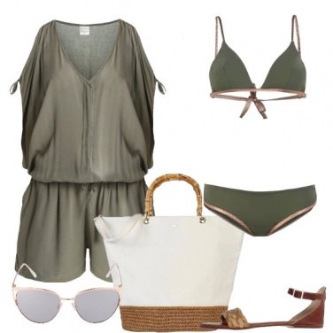 Outfit Militare in spiaggia