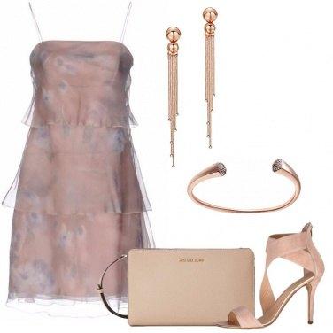 Outfit L\'abito a trapezio rosa antico
