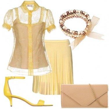 Outfit Una diva anni 60 in giallo
