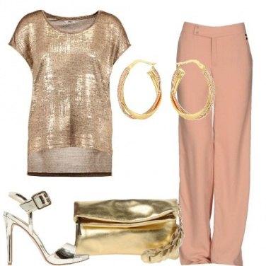 Outfit Il nudo abbinato all\'oro