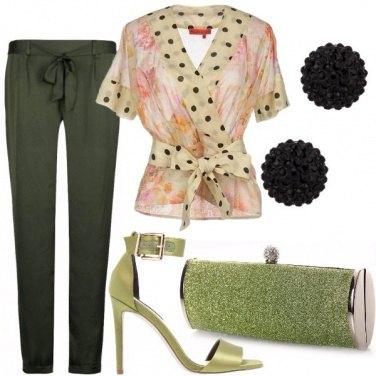 Outfit Tacco verde e pois