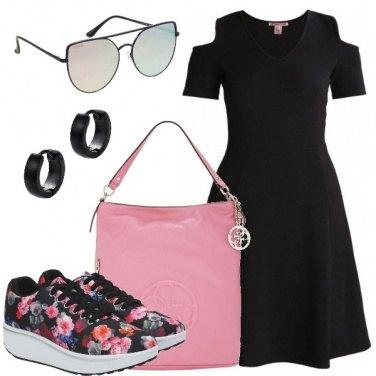 Outfit Sneakers e abito nero
