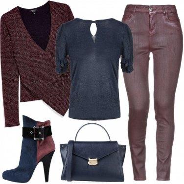 Come abbinare i jeans viola: 48 Outfit Donna | Inverno 2020
