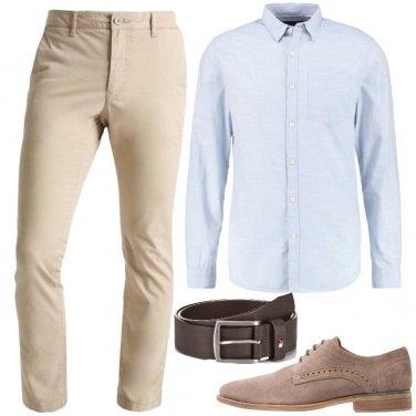 Outfit In ufficio con le tonalità chiare
