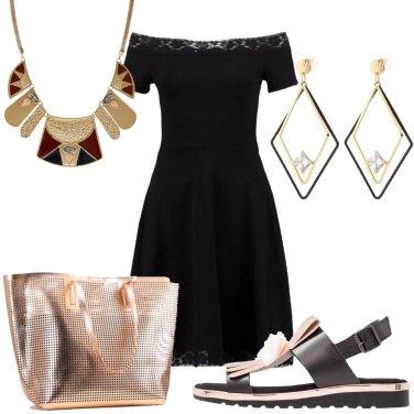 Outfit Sandali con fiocco