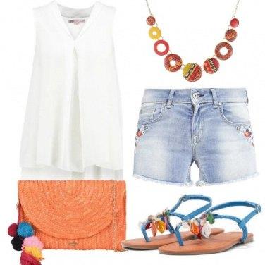 Outfit Dettagli colorati
