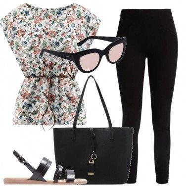 Outfit Nero e fiori