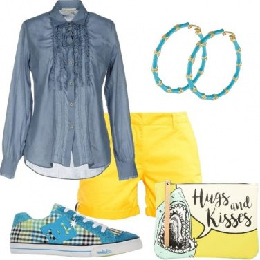 Outfit Ruches e shorts