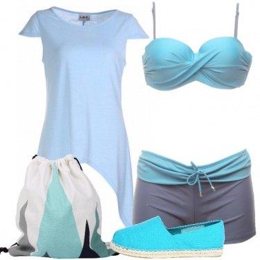 Outfit Sportiva al mare