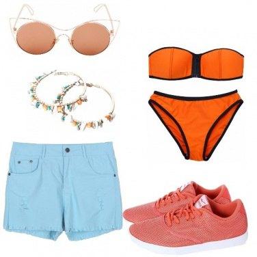 Outfit Al mare in celeste e arancio