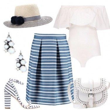 Outfit Le righe bianche e blu