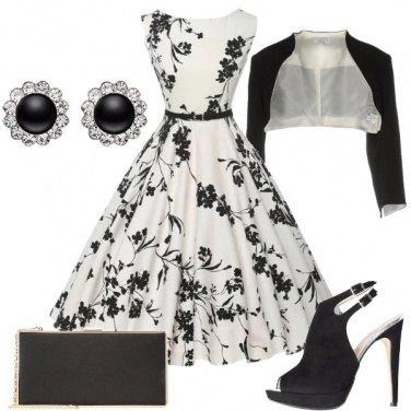 Outfit Un\'elegante clessidra