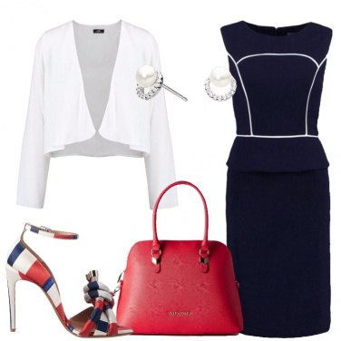 Outfit Chic con il tubino blu