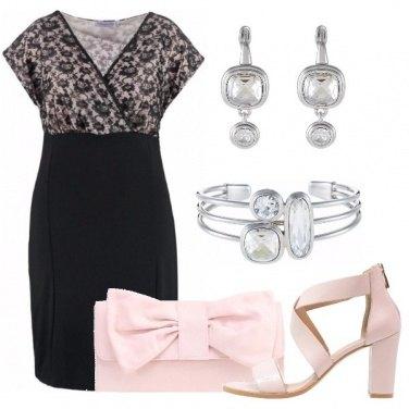 Outfit Il vestito in merletto