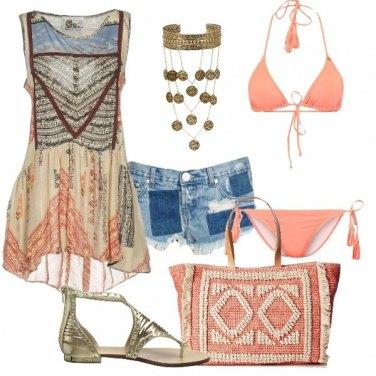 Outfit In spiaggia fino al tramonto