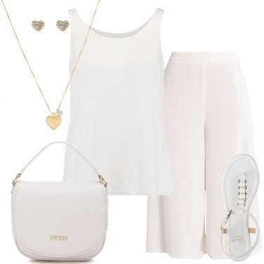 Outfit Petite in Total White