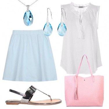 Outfit Gonna e gioielli azzurri
