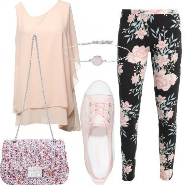 Outfit Leggings e sneakers