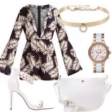 Outfit Con le foglie di palma