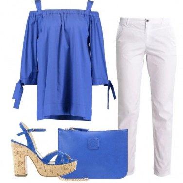 Outfit La tunica blu elettrico