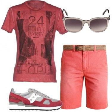 Outfit Rosso per tutte le taglie