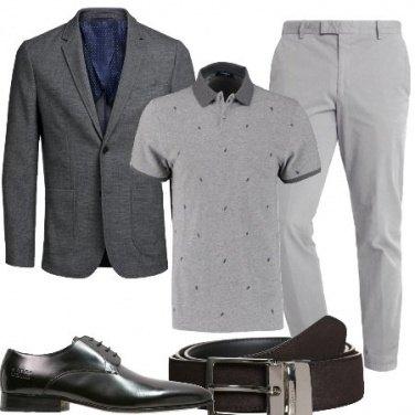 Outfit Con le tonalità del grigio