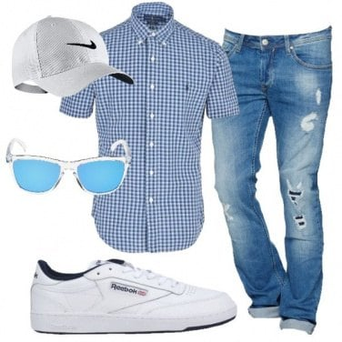 Outfit Jeans e sneakers