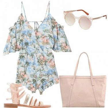Outfit Sandalo e fantasia tropicale