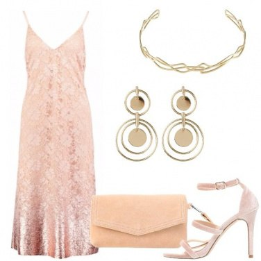 Outfit Nudo e oro