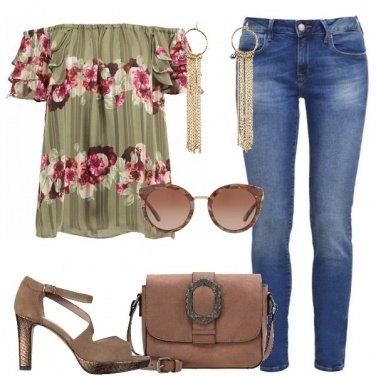 Outfit La blusa a righe e fiori