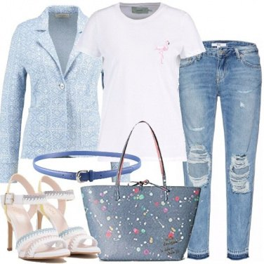 Outfit Jeans con strappi