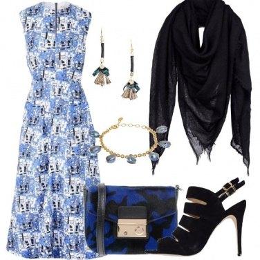 Outfit Strepitosa in blu e nero