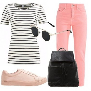 Outfit T-shirt a righe