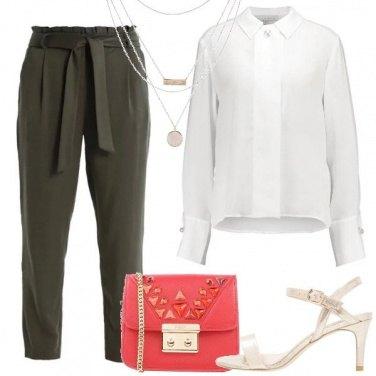Outfit La tracolla in contrasto