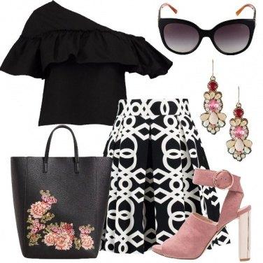 Outfit Bianco nero abbinato con il rosa