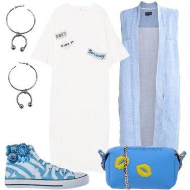 Outfit La sneakers con gioiello