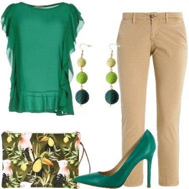 Outfit Verde e beige