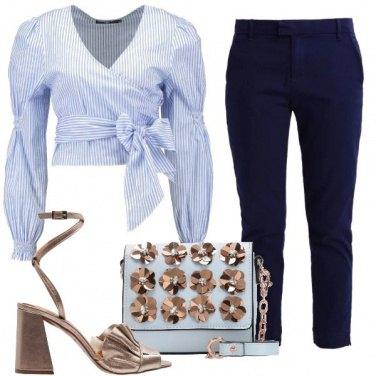 Outfit Camicetta con il fiocco