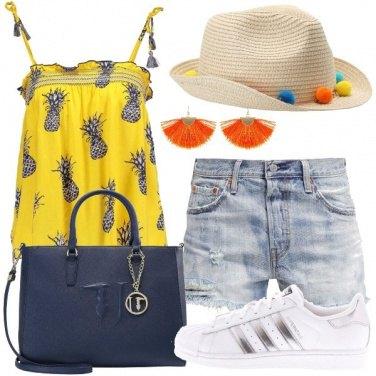 Outfit Trendy con gli ananas e i pompon
